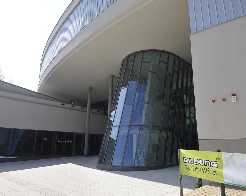 Bücherei Im Bildungszentrum Simmering Falter Event Locations