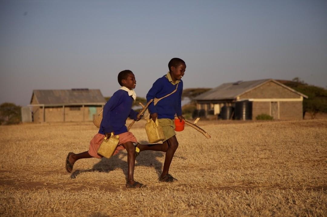 Auf dem Weg zur Schule - Sur le chemin de l'école - © Constantin Film