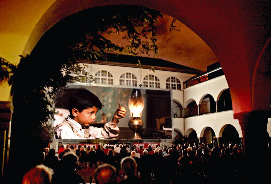 Open Air Kino im Burghof