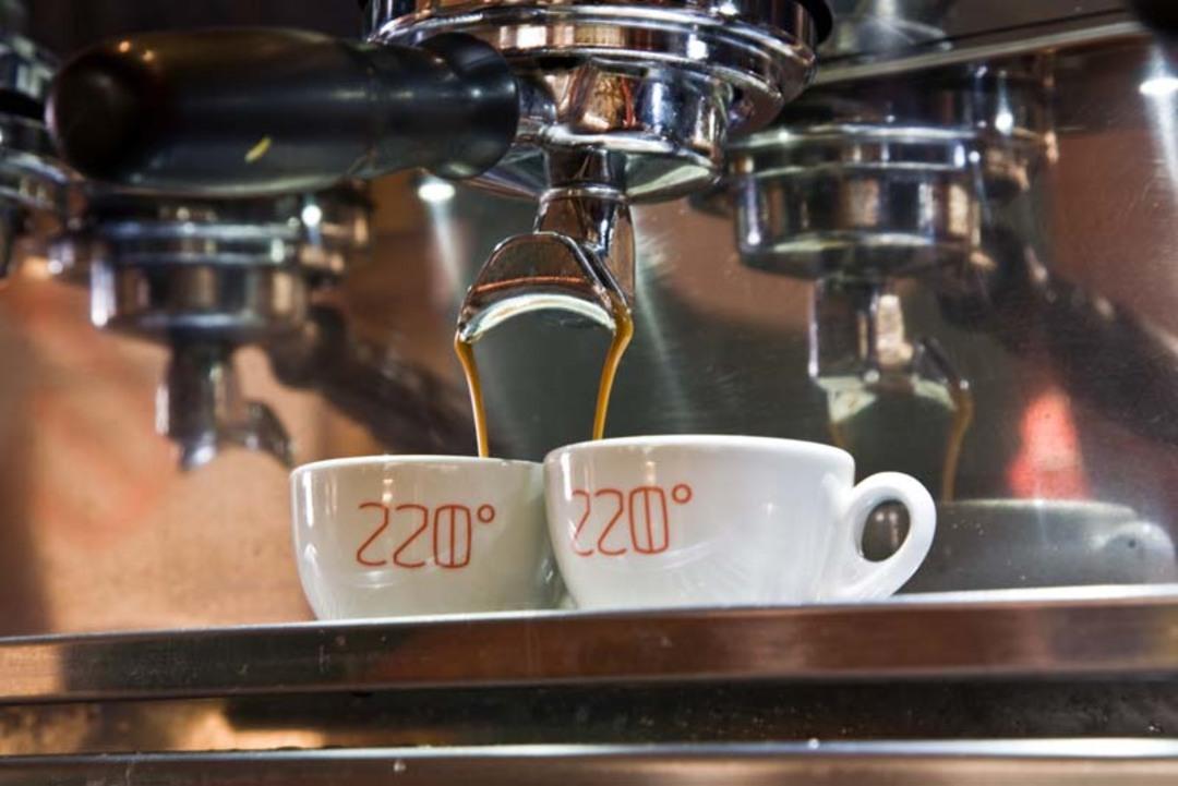 © 220 Grad Rösthaus & Café