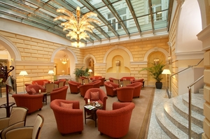 Atrium Bar im Hotel de France